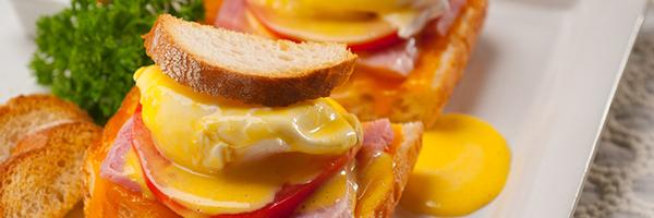 Breakfast (Eggs Benedict)